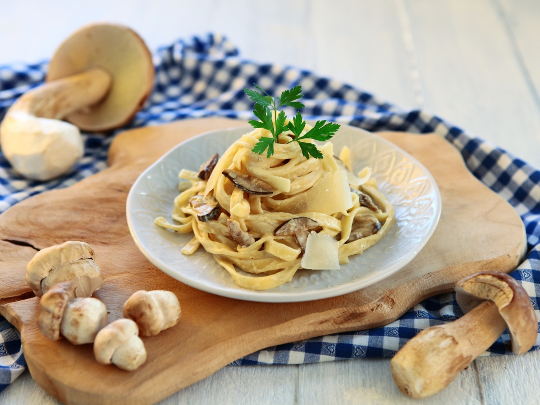 Tagliatelle s houbami a mascarpone